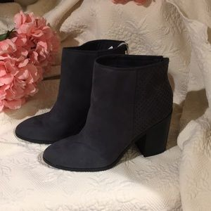 American Eagle Dark Gray Ankle Boots Size 8 Women